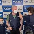 Momento eu que Resende foi vacinado e pediu a população para fazer o mesmo